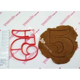 Пластиковая вырубка цифра Пять, 10см