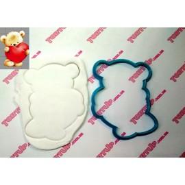 Пластиковая вырубка Мишка с сердцем, 12см