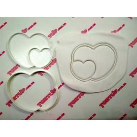 Пластиковая вырубка с оттиском сердце + 1, 10см