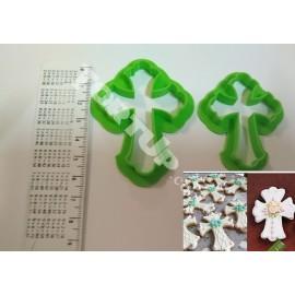 Пластиковая вырубка Крестики 2шт 6см, 5см