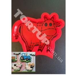 Пластиковая вырубка+трафарет Корова (из мультика Синий трактор) 10см