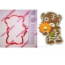 Пластиковая вырубка Мишка Тедди с цветком 12см