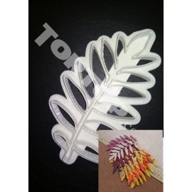 Пластиковая вырубка Лист рябины 10см